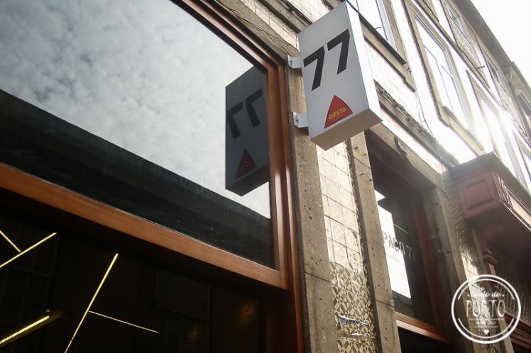 Espaço 77 aberto na madrugada