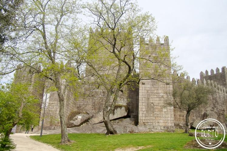 Castelo de Guimarães Portugal 1b