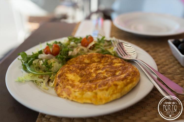 Restaurante Esconderejo Praia da Aguda Vila Nova de Gaia Portugal tortilla salada.jpg