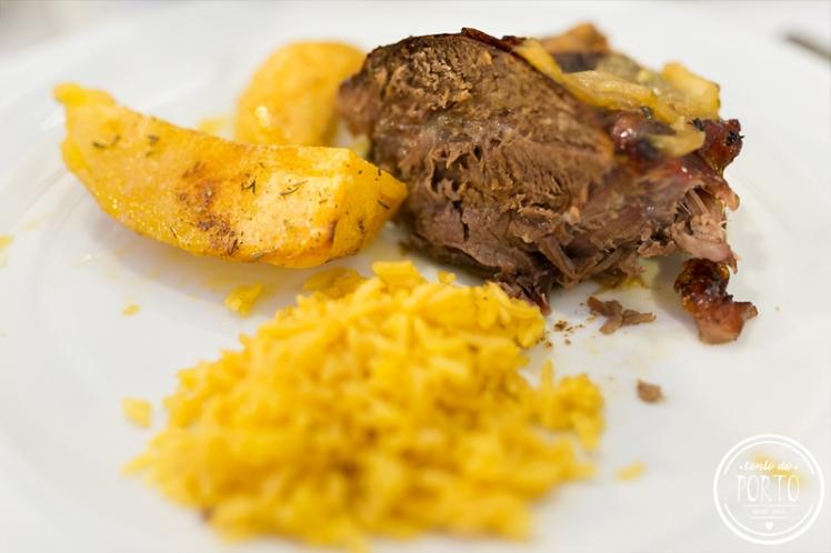 Cozinha do Manel restaurante comida tradicional Portuguesa no Porto Portugal vitelinha